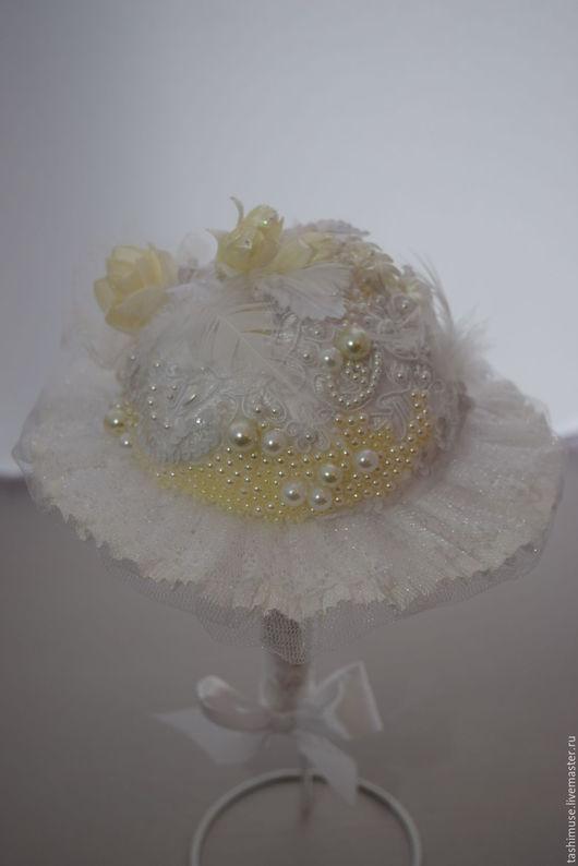Свадебные цветы ручной работы. Ярмарка Мастеров - ручная работа. Купить букет невесты. Handmade. Белый, свадьба, стразы, гофробумага