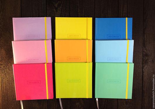 9 цветов. Скетчбуки в твердой обложке с плотной белой бумагой 160 г/м2, 80 страниц, 15х15 см