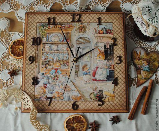 """Часы для дома ручной работы. Ярмарка Мастеров - ручная работа. Купить Часы """"Добрые истории Сказочного леса"""". Handmade. Часы"""