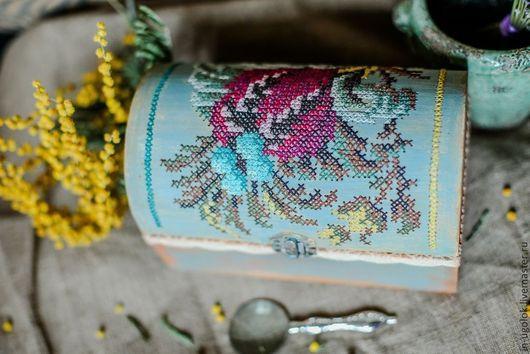 """Шкатулки ручной работы. Ярмарка Мастеров - ручная работа. Купить Шкатулка с вышивкой по дереву """"Ретроспектива"""". Handmade. Вышивка по дереву, винтаж"""