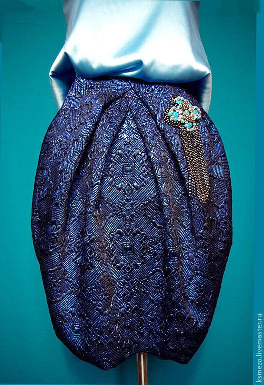 Брошка на юбку
