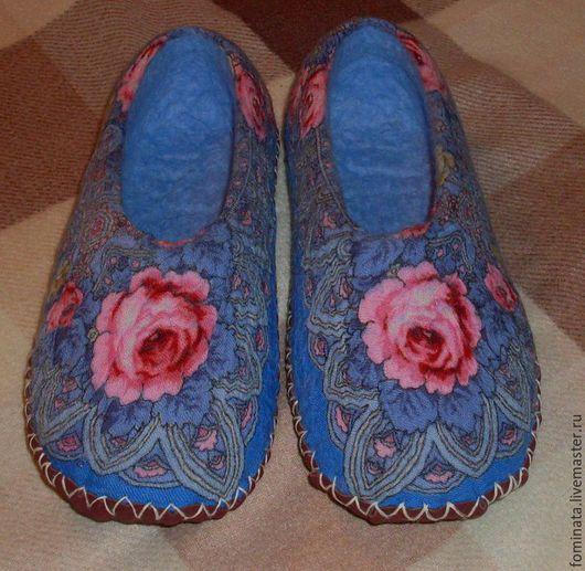 """Обувь ручной работы. Ярмарка Мастеров - ручная работа. Купить валяные тапочки """"Розы"""". Handmade. Разноцветный, тапочки из шерсти"""