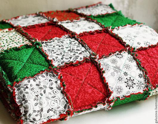"""Текстиль, ковры ручной работы. Ярмарка Мастеров - ручная работа. Купить Лоскутный плед """"Новогодний"""". Handmade. Ярко-красный"""