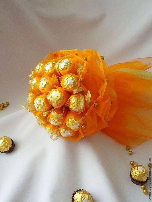 """Букеты ручной работы. Ярмарка Мастеров - ручная работа. Купить Букет из конфет """"Акварель (оранжевый)"""" на 8 марта, 1 сентября, учителю. Handmade."""