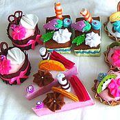 Кукольная еда ручной работы. Ярмарка Мастеров - ручная работа Фетровые сладости пирожные.. Handmade.