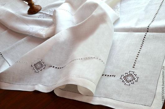 снежинка, Льняная белая скатерть с вышивкой белым по белому украсит праздничный стол, строчевая вышивка, украшение интерьера, русский стиль, эко дом