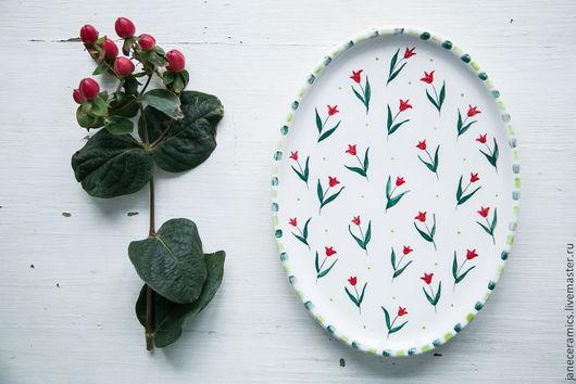Тарелки ручной работы. Ярмарка Мастеров - ручная работа. Купить Красные тюльпанчики. Сервировочная тарелка, керамика. Handmade. Керамика, посуда