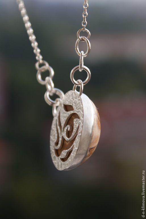 Кулоны, подвески ручной работы. Ярмарка Мастеров - ручная работа. Купить Кулон из серебра с окаменелым морском ежом Морской. Handmade.