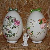 """Свадебный салон ручной работы. Ярмарка Мастеров - ручная работа Вышивка на яйце.  """"Золотые сердечки"""". Handmade."""