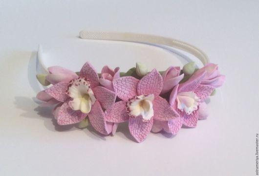 Диадемы, обручи ручной работы. Ярмарка Мастеров - ручная работа. Купить Обруч для волос с орхидеями из полимерной глины.. Handmade. Розовый