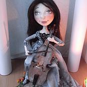 Виолончелистка продана портретная кукла