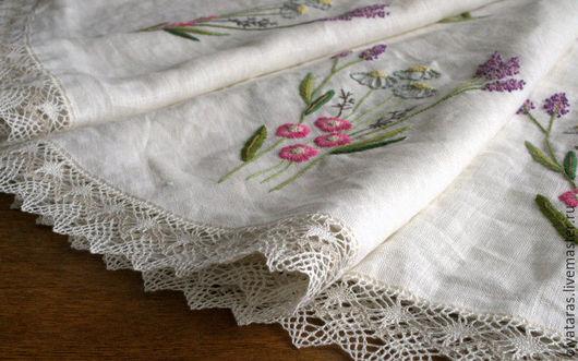 """Текстиль, ковры ручной работы. Ярмарка Мастеров - ручная работа. Купить Скатерть круглая с ручной вышивкой """"Полевые цветы"""".. Handmade."""