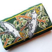 Сумки и аксессуары ручной работы. Ярмарка Мастеров - ручная работа Чехол для телефона с вышитыми попугаями в подарок себе любимому. Handmade.