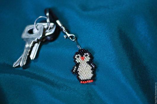 Брелоки ручной работы. Ярмарка Мастеров - ручная работа. Купить Пингвин брелок. Handmade. Рисунок, брелок, комбинированный, бисер