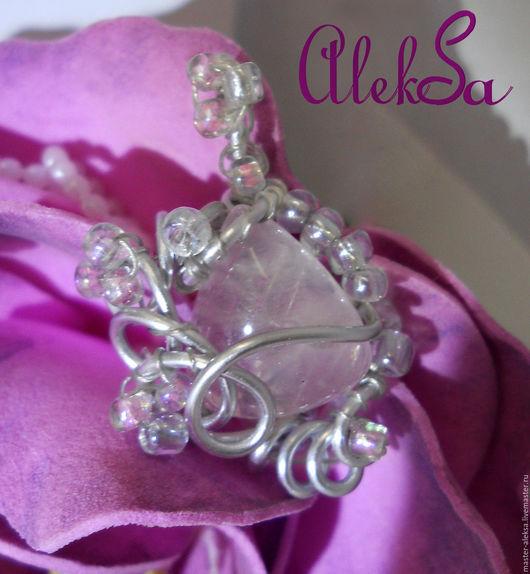 Кулон с розовым кварцем, мастерская AlekSa Проволока - алюминий.