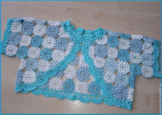 нарядное вязаное болеро, нарядное болеро крючком бело-голубая мозаика