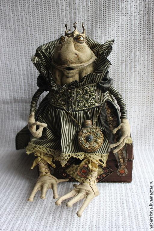Коллекционные куклы ручной работы. Ярмарка Мастеров - ручная работа. Купить Царыца жаба текстильная. Handmade. Хаберская, царевна
