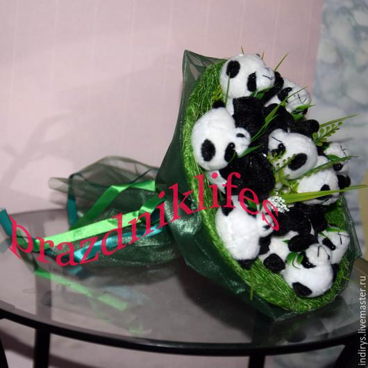 """Персональные подарки ручной работы. Ярмарка Мастеров - ручная работа. Купить Букет из мишек панд """"Не падай.. Это панда!"""". Handmade."""