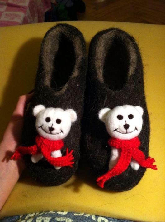 """Обувь ручной работы. Ярмарка Мастеров - ручная работа. Купить Тапочки """"Белый мишка"""". Handmade. Валяные тапочки, Валяние"""