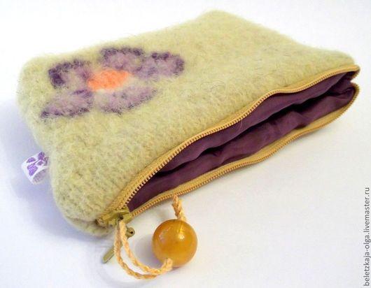 валяная косметичка яркий аксессуар ручной авторской работы красивая косметичка сумочка для мелочей в подарок для женщины аксессуары handmade для себя любимой оригинальная валяная косметичка девушке