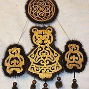 Статуэтка ручной работы. Ярмарка Мастеров - ручная работа Сувениры: пано- оберег для семьи. Handmade.