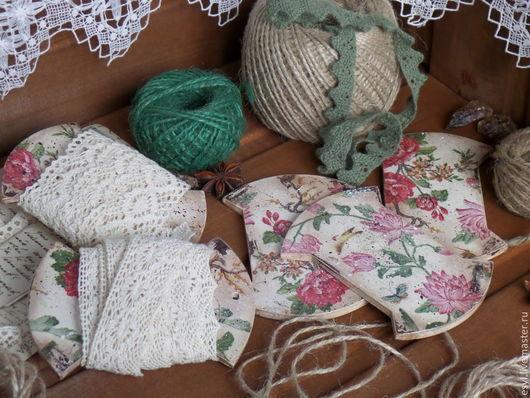 Бобины для хранения тесьмы и кружева в технике декупаж, винтажные, состаренные, ретро.