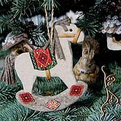 Русский стиль ручной работы. Ярмарка Мастеров - ручная работа Подвеска из войлока Ностальгия по детству + подарочный мешочек (64). Handmade.