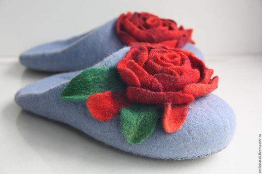 """Обувь ручной работы. Ярмарка Мастеров - ручная работа. Купить Тапочки-шлепки """"Розочки 2"""".. Handmade. Валяные тапочки"""