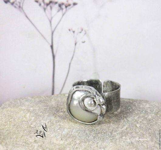 """Кольца ручной работы. Ярмарка Мастеров - ручная работа. Купить """"Жемчужный завиток"""" - кольцо с жемчужиной кейши. Handmade. Белый"""