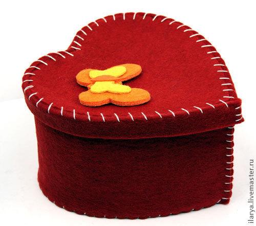 Шкатулки ручной работы. Ярмарка Мастеров - ручная работа. Купить Шкатулка из фелта в форме сердце+бабочка. Handmade. Ярко-красный, шкатулка