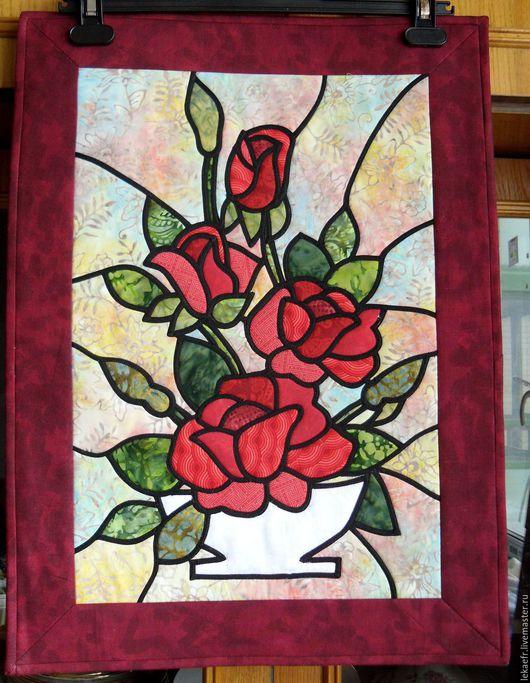 """Картины цветов ручной работы. Ярмарка Мастеров - ручная работа. Купить Лоскутное  текстильное панно """"Алые розы""""Серия """"Витраж"""". Handmade."""