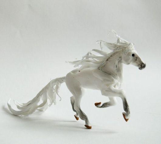 """Статуэтки ручной работы. Ярмарка Мастеров - ручная работа. Купить фигурка лошадь """"Яблони в цвету"""" (аллюр: галоп). Handmade. Лошадь"""