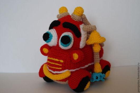 Техника ручной работы. Ярмарка Мастеров - ручная работа. Купить Пожарная машинка. Handmade. Ярко-красный, вязаная игрушка, игрушки