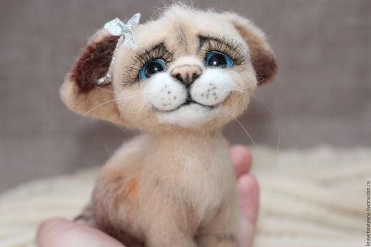 Игрушки животные, ручной работы. Ярмарка Мастеров - ручная работа. Купить Авторская валяная  из шерсти игрушка ручной работы Котёнок Лео. Handmade.