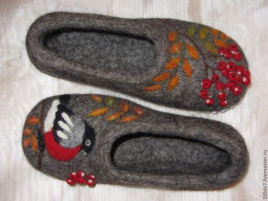 """Обувь ручной работы. Ярмарка Мастеров - ручная работа. Купить Валяные тапочки """"Рябинка"""". Handmade. Серый, тапочки из войлока"""