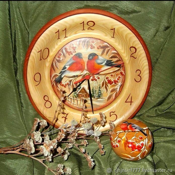 Clock made of cedar bullfinch, Watch, Zmeinogorsk,  Фото №1
