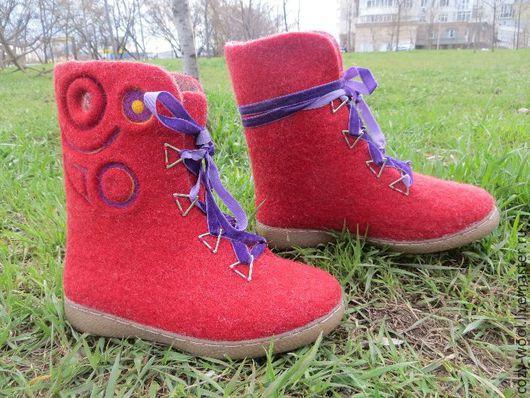 Обувь ручной работы. Ярмарка Мастеров - ручная работа. Купить Ботиночки валяные. Handmade. Ярко-красный, ботиночки, полусапожки