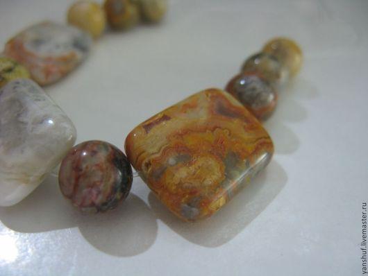 кружевной агат --ассорти--11 камней\r\nкруглые камни-- 8 мм, подушечки --20 х 13 мм