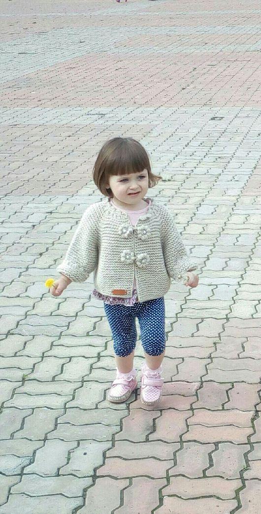 Одежда для девочек, ручной работы. Ярмарка Мастеров - ручная работа. Купить Кардиган вязаный для девочки 2-4 лет, на рост 86-102 см.. Handmade.