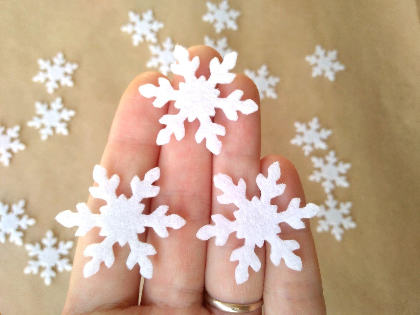 Белые снежинки из фетра 100 штук, Аппликации, Анапа,  Фото №1
