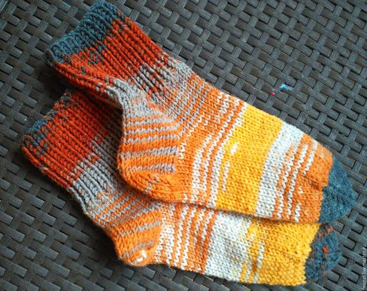 Носки, Чулки ручной работы. Ярмарка Мастеров - ручная работа. Купить носки вязаные вручную разноцветные. Handmade. Теплые носки