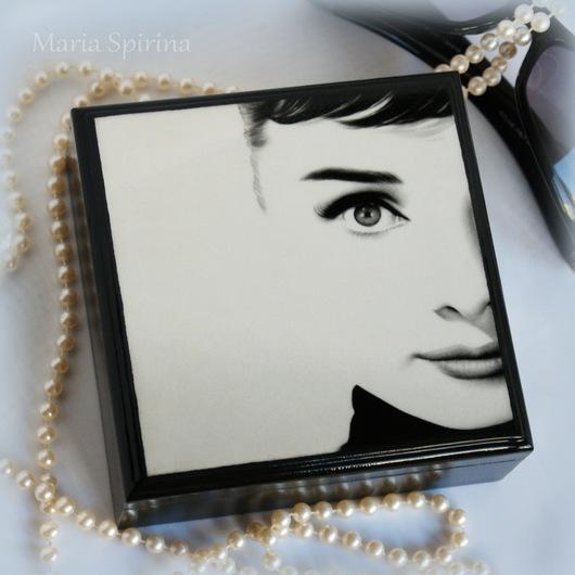 Шкатулка для украшений, шкатулка ручной работы, шкатулка в подарок, шкатулка, шкатулочка, для украшений, маленькая шкатулка,изящный подарок, Одри, чёрно-белый, элегантность, чёрный