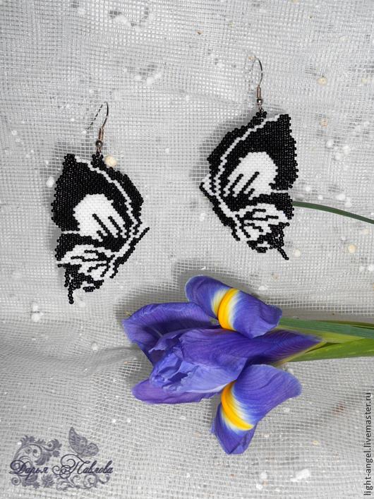 """Серьги ручной работы. Ярмарка Мастеров - ручная работа. Купить Серьги """"Эти свободные бабочки"""". Handmade. Чёрно-белый, порхание"""