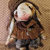 Куклы и игрушки ручной работы. Ярмарка Мастеров - ручная работа Зайка  в шапке. Handmade.