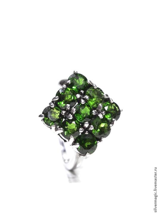 Кольца ручной работы. Ярмарка Мастеров - ручная работа. Купить Серебряное кольцо с натуральным хромдиопсидом.. Handmade. Зеленый, подарок, кольцо
