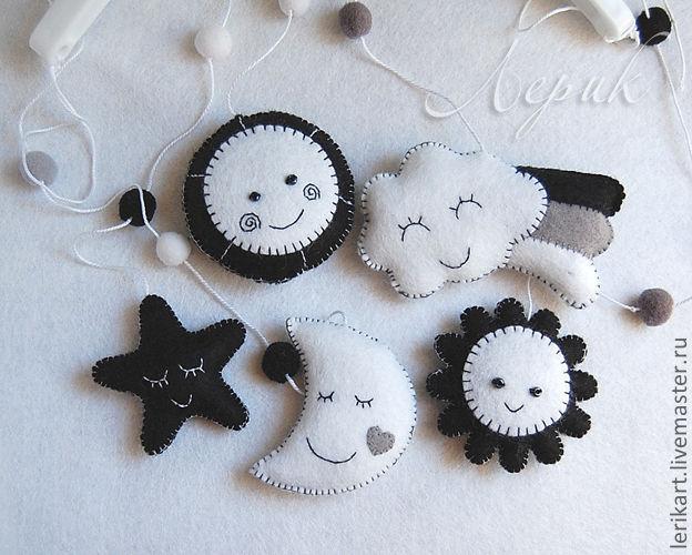 Черно белые игрушки для новорожденных