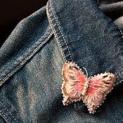 """Украшения ручной работы. Ярмарка Мастеров - ручная работа Ручная вышивка  -""""Коралловая бабочка` .. Handmade."""