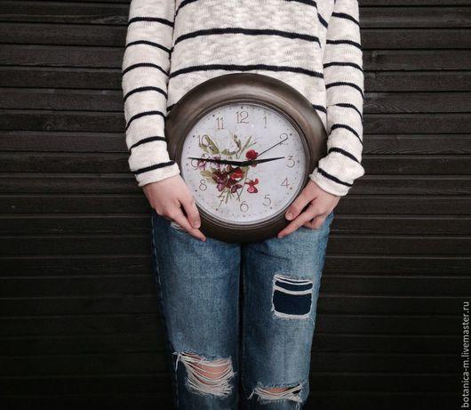 """Часы для дома ручной работы. Ярмарка Мастеров - ручная работа. Купить """"Душистый горошек"""" Часы настенные в винтажном стиле. Handmade."""