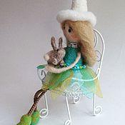 Куклы и игрушки ручной работы. Ярмарка Мастеров - ручная работа Девочка с зайкой. Handmade.