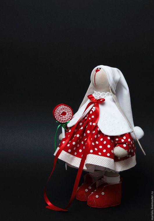 Куклы Тильды ручной работы. Ярмарка Мастеров - ручная работа. Купить Новогодняя зайка. Handmade. Бежевый, зайка, новогодний подарок